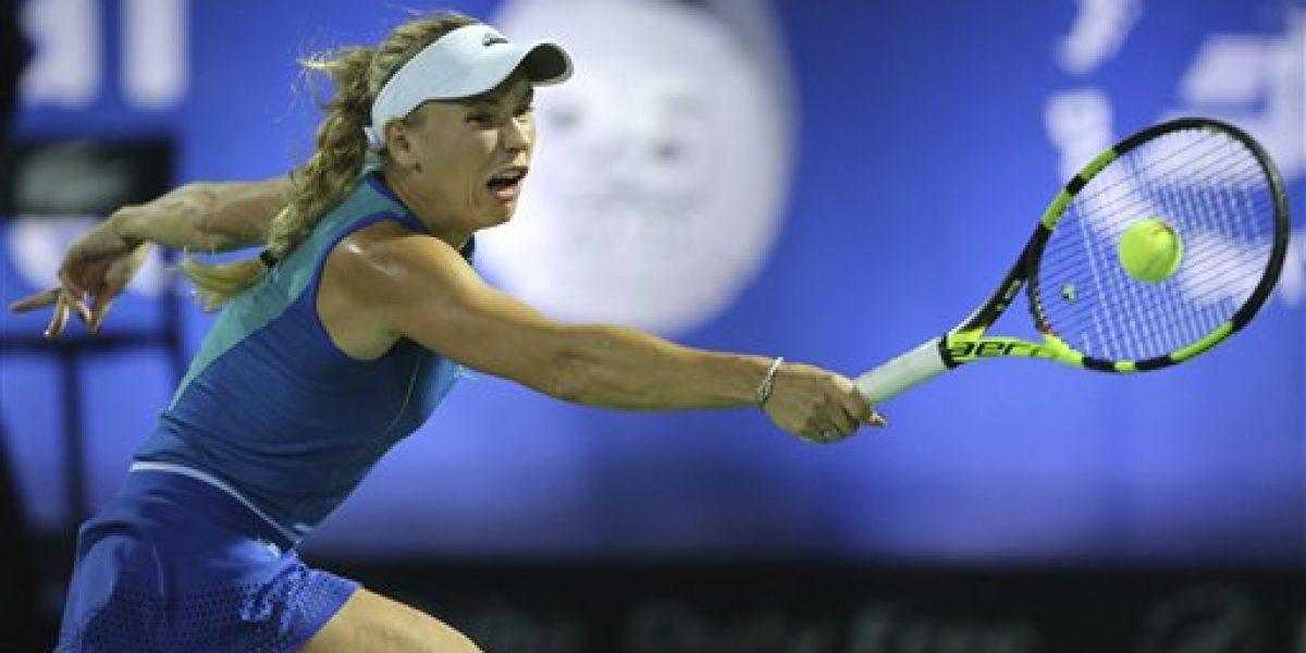 Wozniacki avanza a semifinales en Dubái