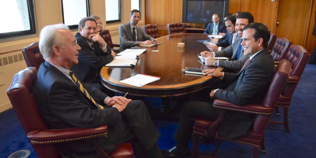 Rosselló Nevares se reúne con el secretario de Salud