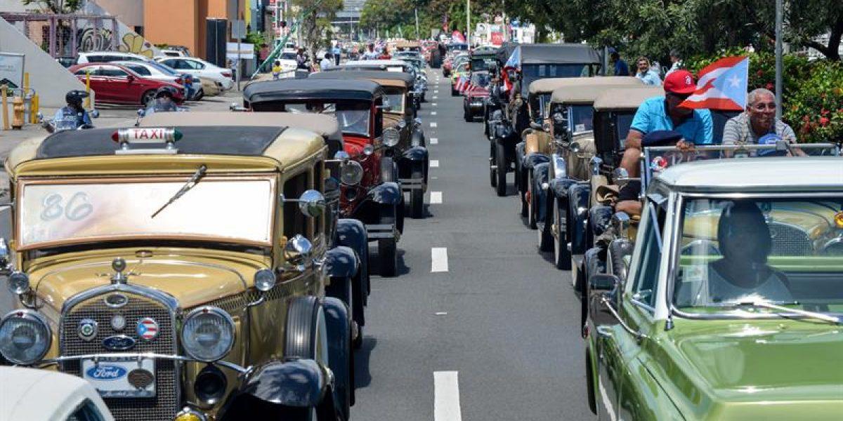 Llega el despliegue de autos antiguos