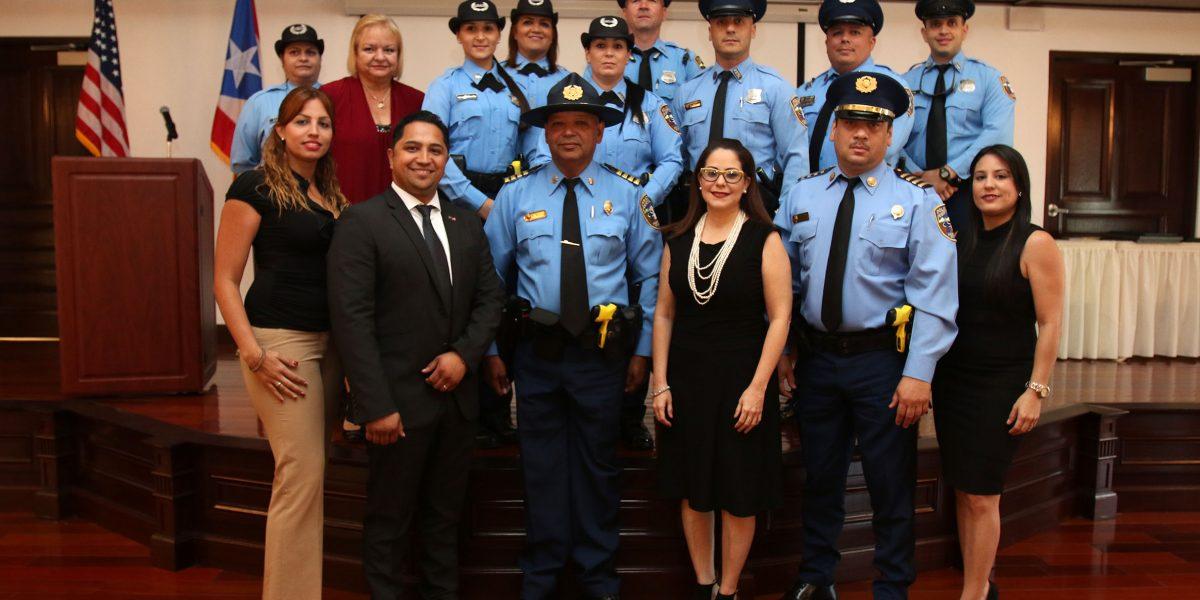 Rinden homenaje a policías en el Capitolio