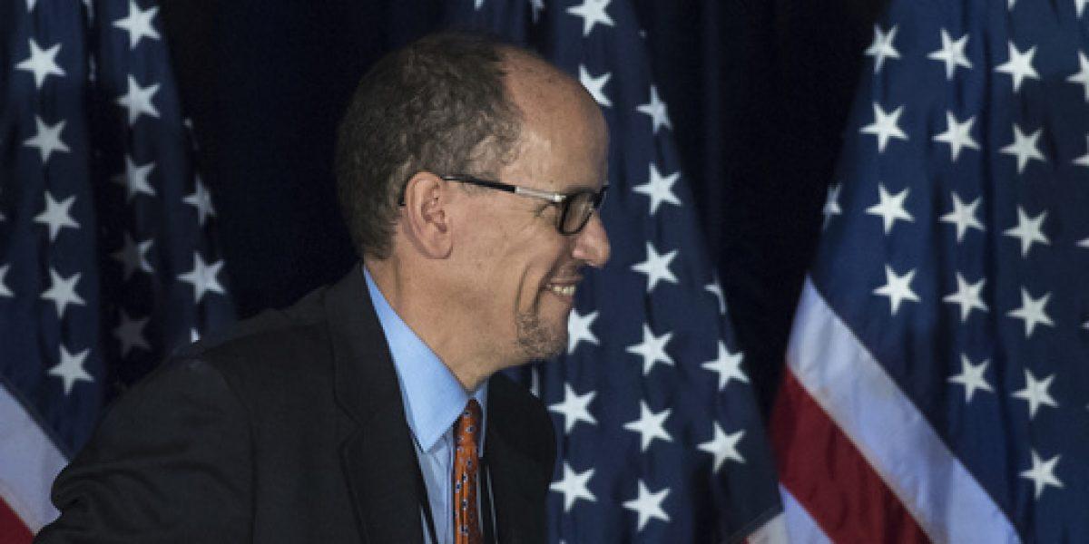 Eligen a Tom Pérez como presidente del Partido Demócrata