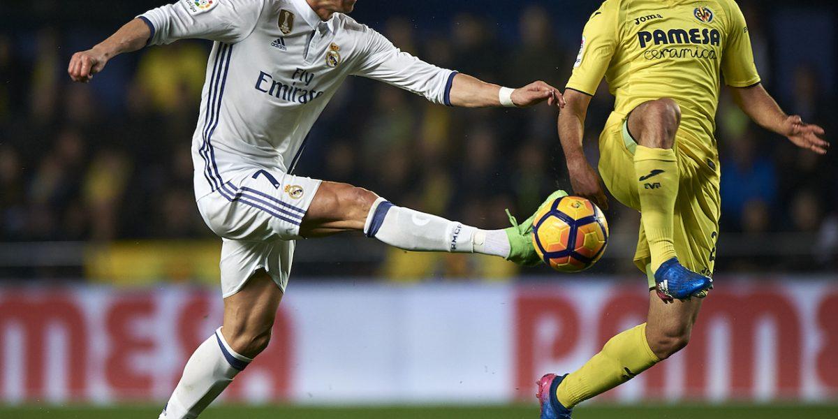 El Madrid remonta ante el Villarreal y responde al Barcelona