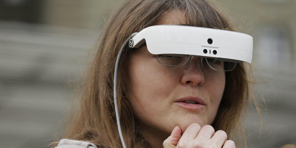 Nuevos espejuelos permiten que personas legalmente ciegas vean