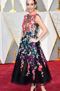 Raphaela Neihausen, con un vestido florido perfecto, llamativo y sin exageración.