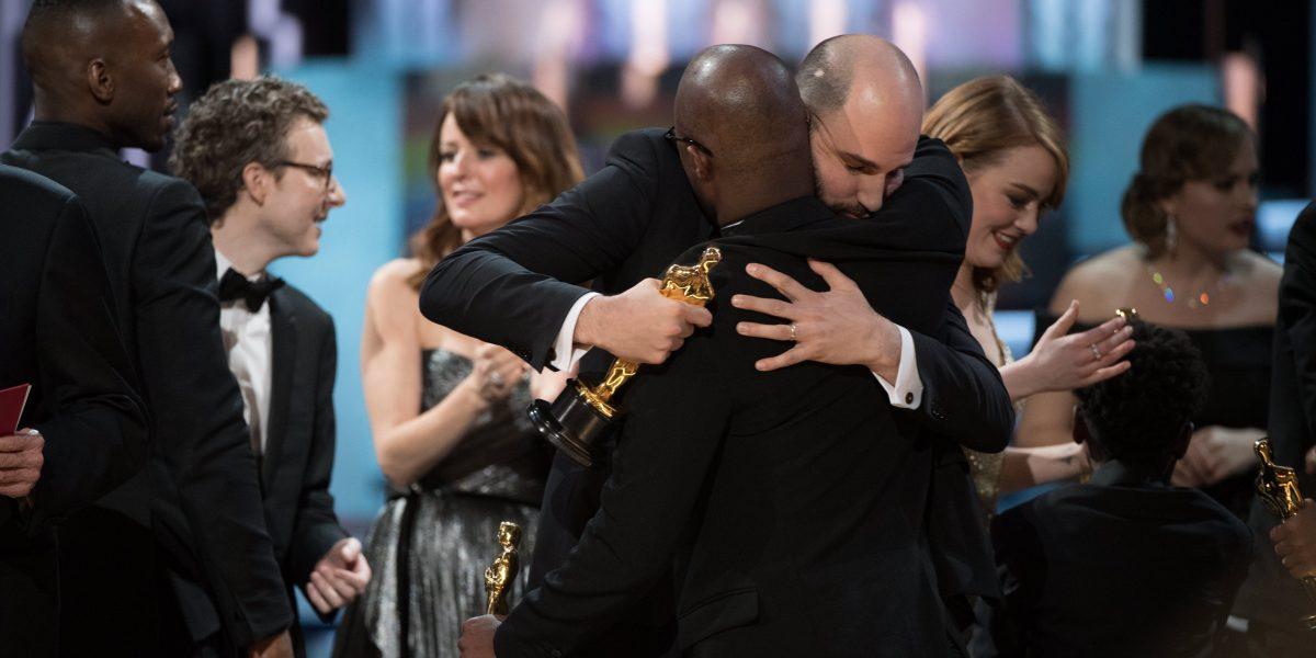 Auditora PwC anuncia investigación error de los Óscar