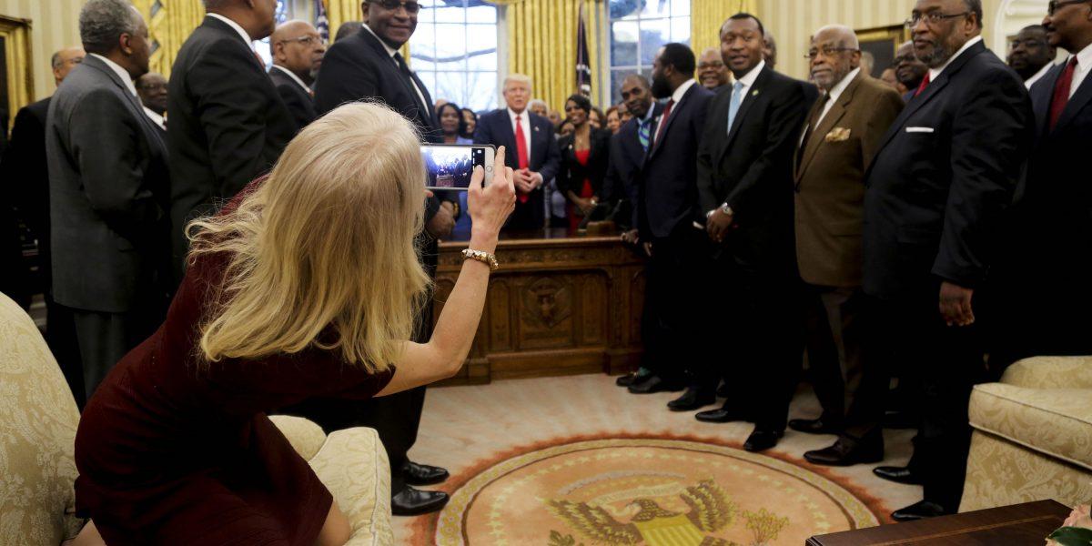 Alguien perdió los modales en el Despacho Oval