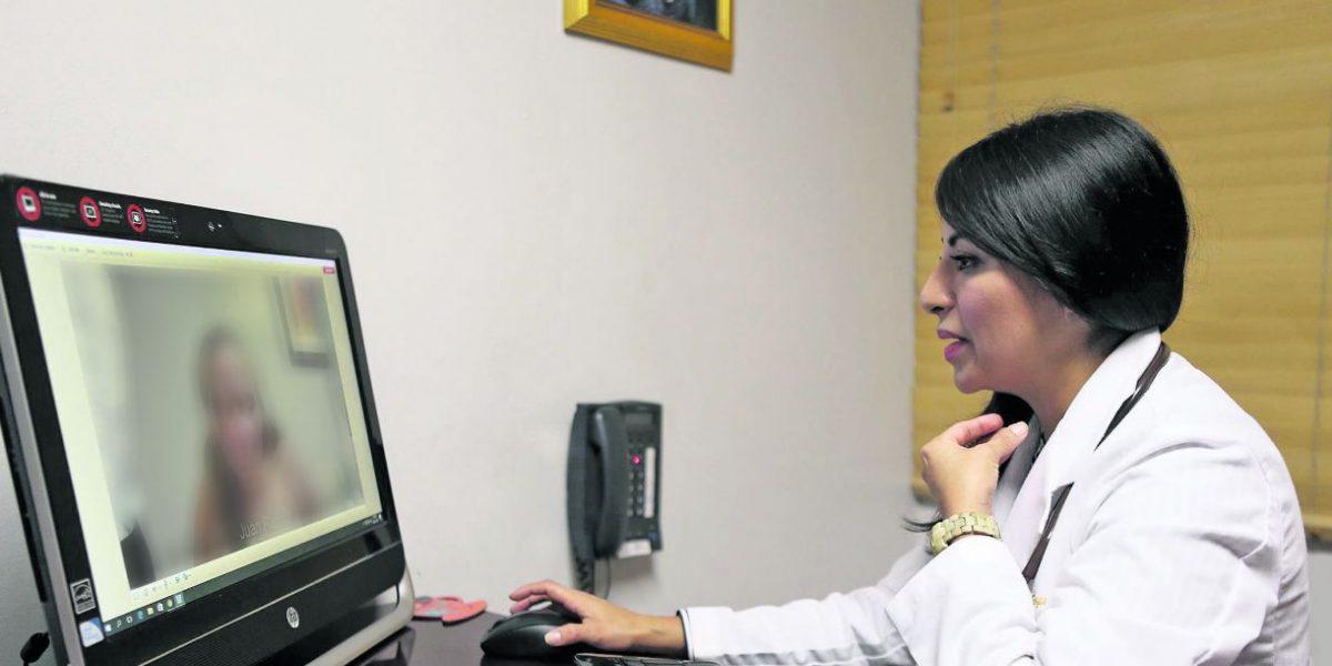 Visitas médicas en línea ya son una realidad en la isla