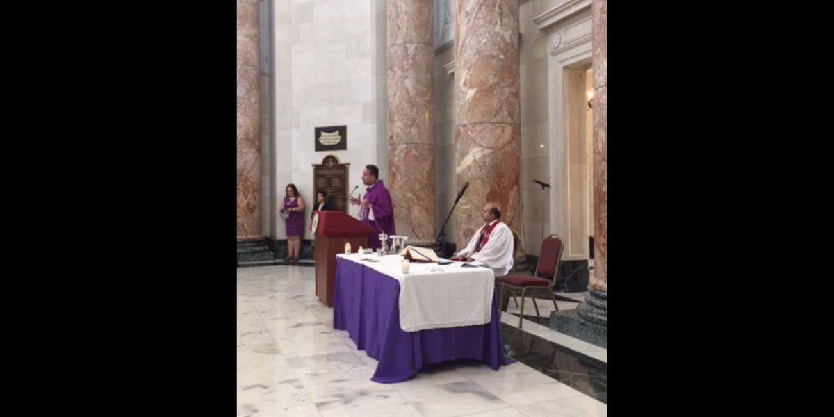 Ceremonia religiosa en Rotonda del Capitolio