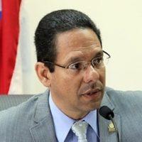 Jesús Santa - expresidente de la Comisión de Asuntos Laborales y Sistema de Retiro del Servicio Público de la Cámara de Representantes