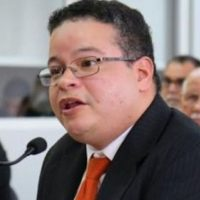 Víctor Ramos - presidente Colegio de Médicos