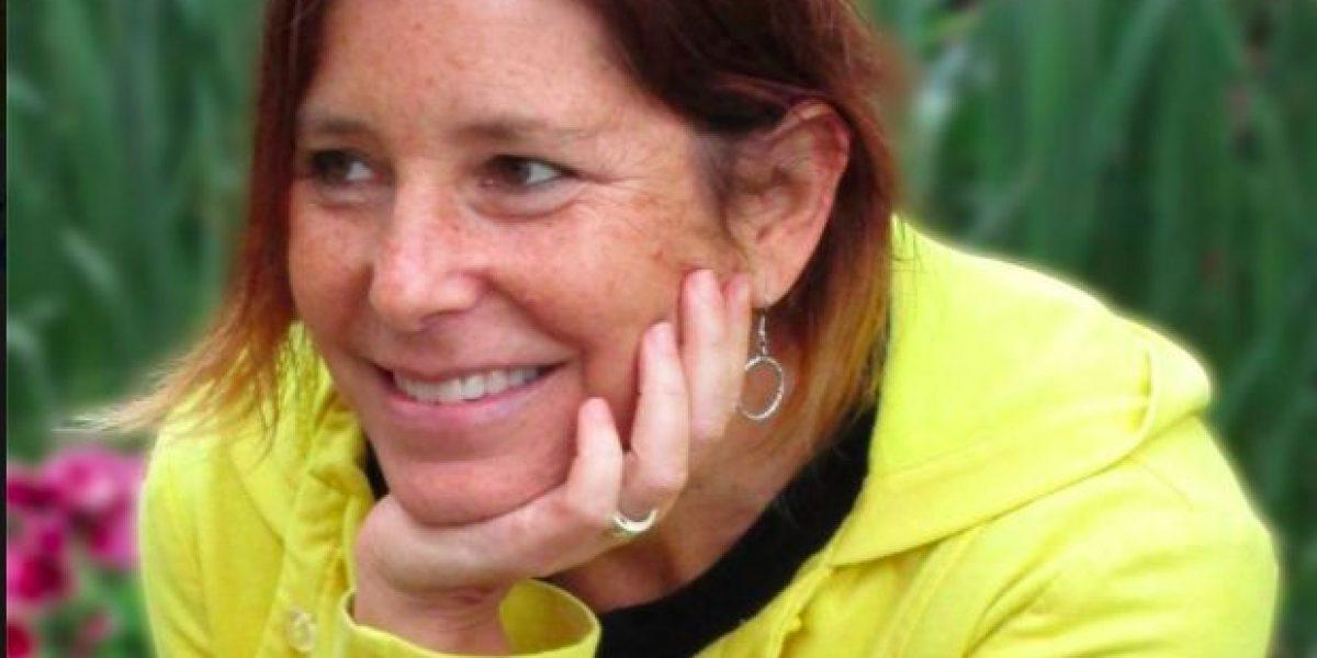 Escritora hace conmovedor perfil de su esposo antes de morir