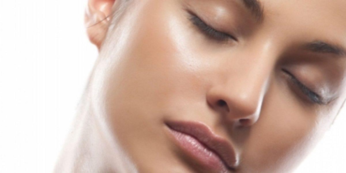 ¿Cómo eliminar el brillo de la cara?