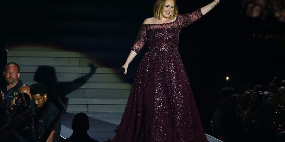 Adele finalmente confirma que está casada