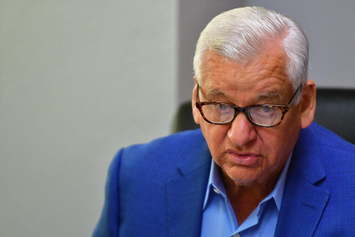 O'Neill enfrenta escándalo