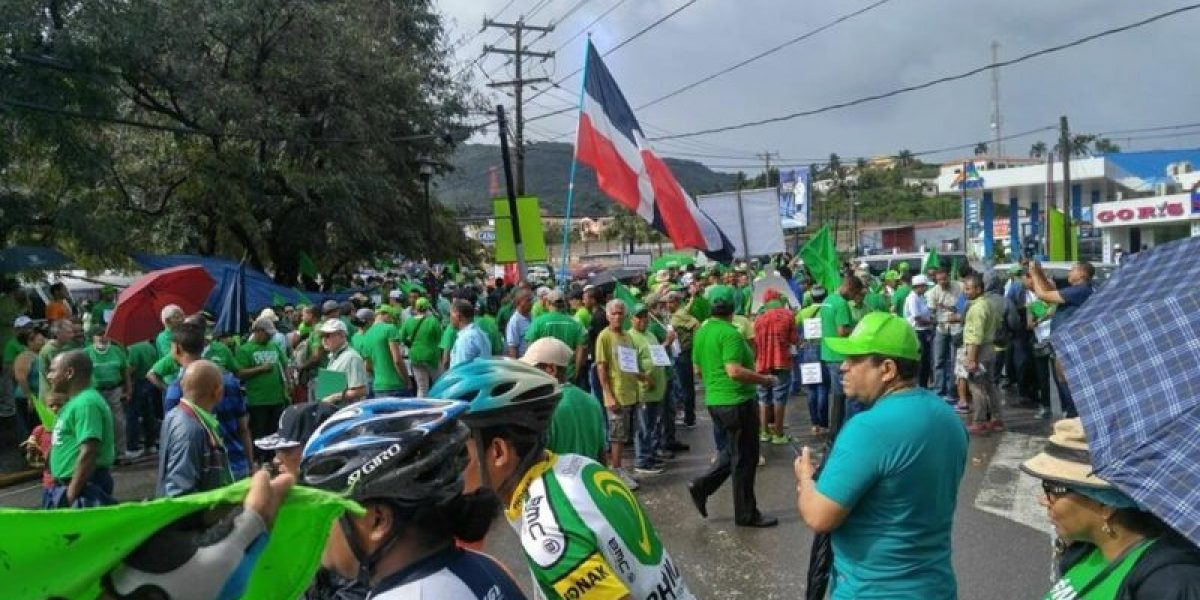 Marchan en República Dominicana contra la corrupción