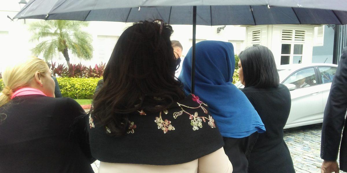 Mujeres representantes del PNP salen en defensa de su género
