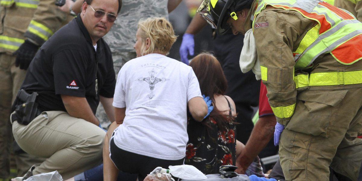 Cuatro muertos en choque de tren y autobús