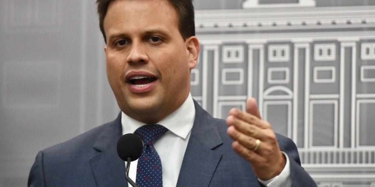 Representante del Gobernador reclama acción a la Junta
