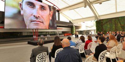 Carrión invita a empresarios y habla sobre la crisis