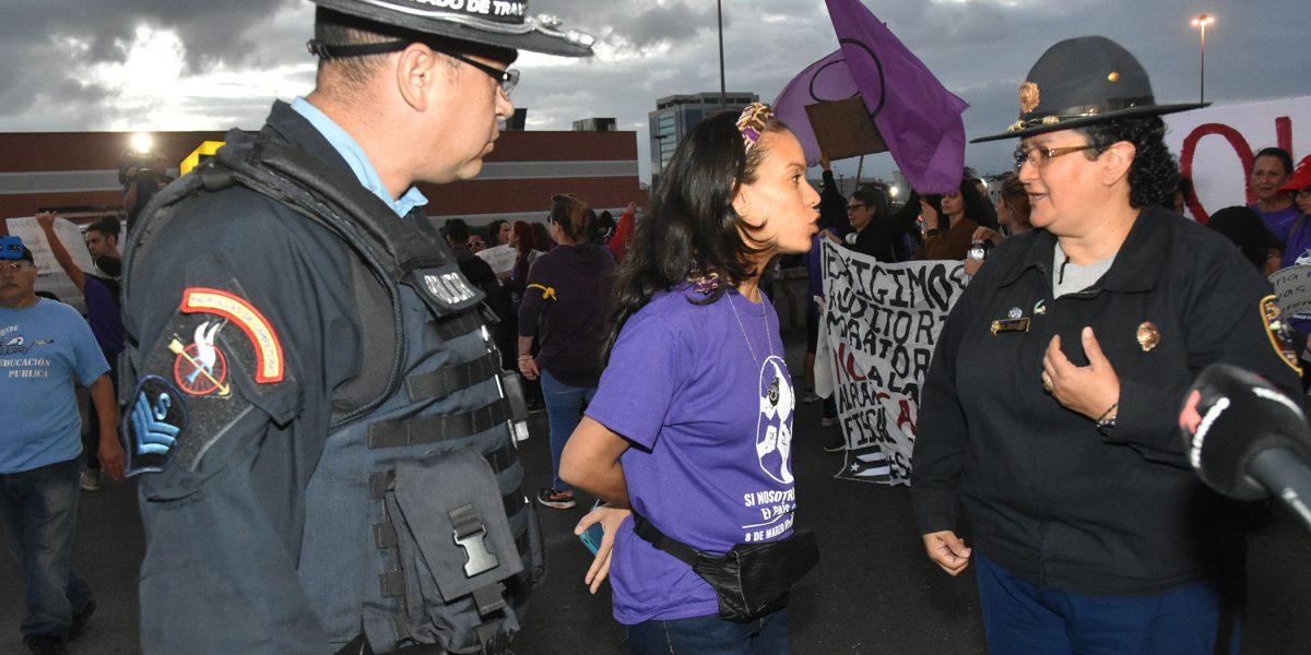 FOTOS: Así fue la protesta de mujeres que irritó a unos cuantos
