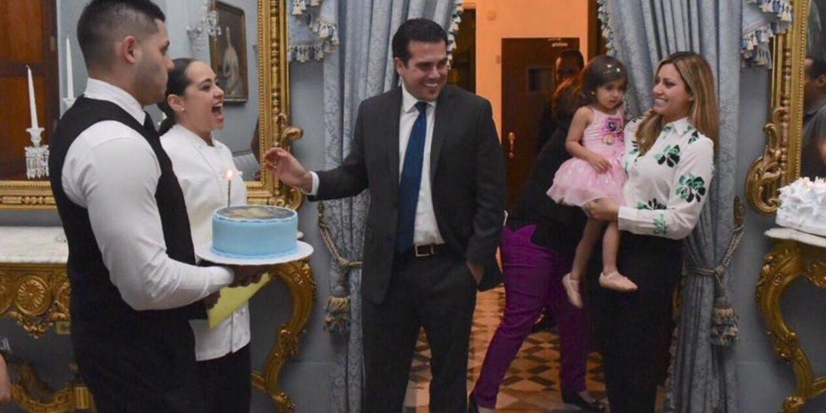 Le cantan cumpleaños al Gobernador en Fortaleza