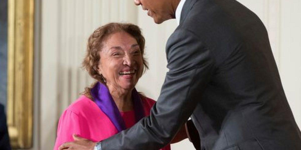 Honran a Miriam Colón con premio National Hero
