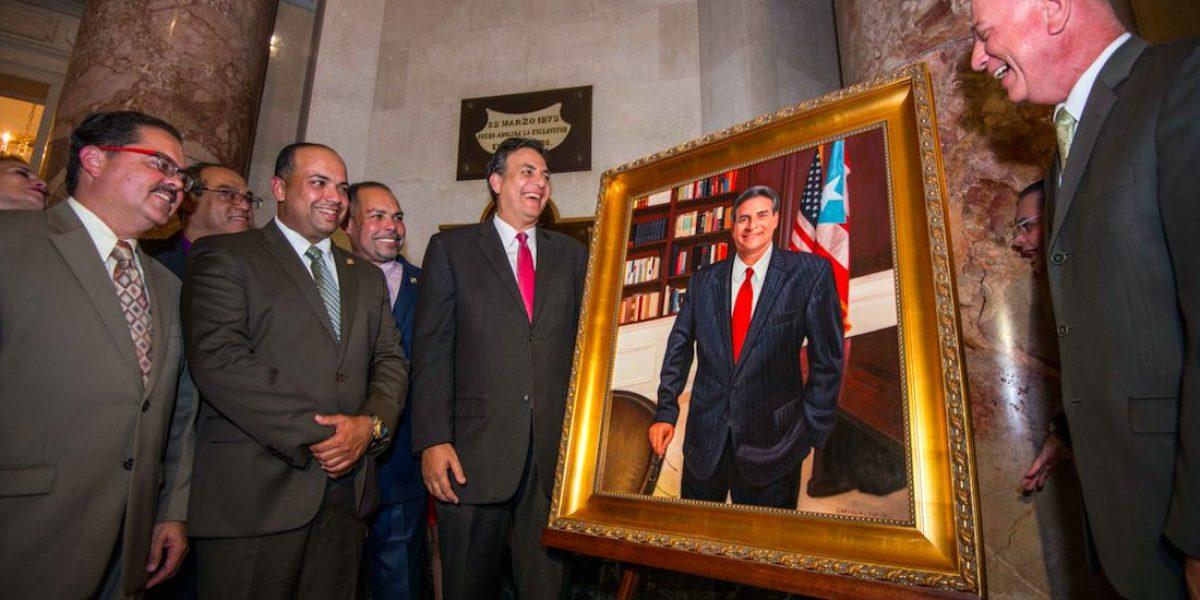 Eduardo Bhatia ya tiene su óleo en el Capitolio