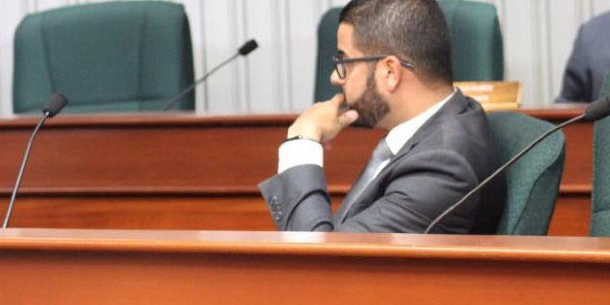 Ortiz: Acuerdo entre Rosselló y la JCF será dañino para las familias