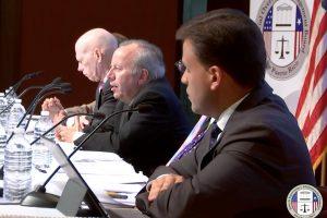 Grupo de bonistas se las canta a la Junta de Control Fiscal