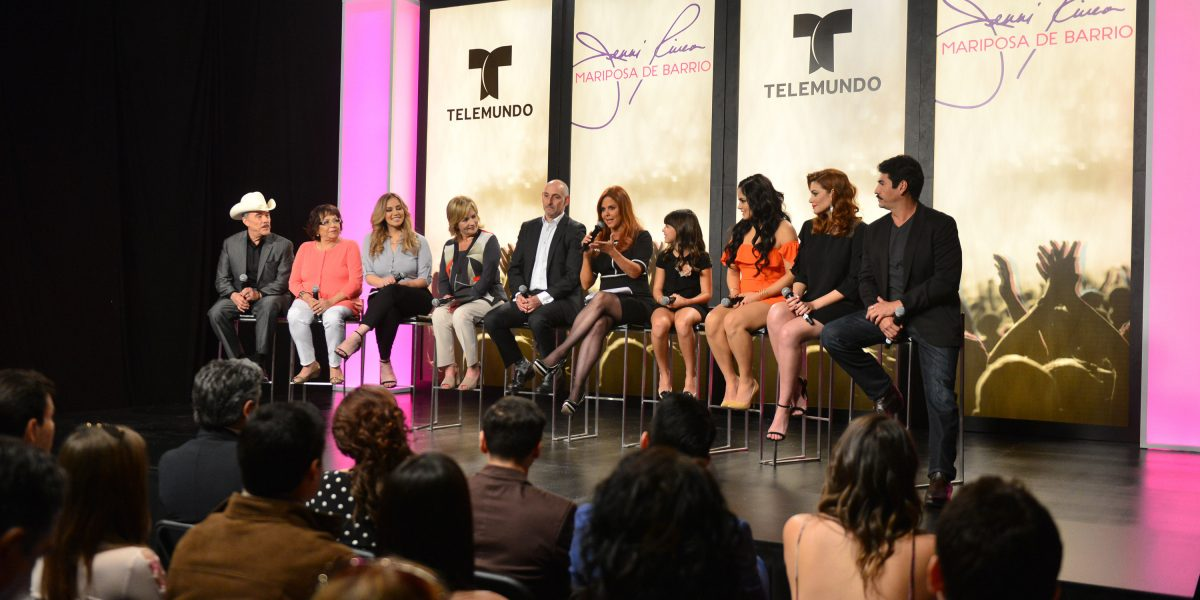 Familia de Jenni Rivera elige a Angélica Celaya para encarnar a la diva