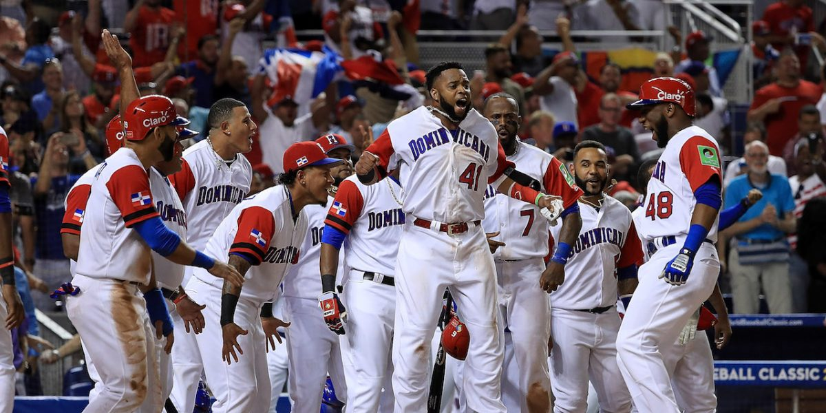 Lista la comunidad dominicana para el juego de esta noche