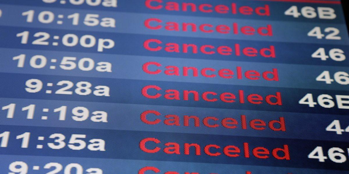 Más de 7,800 vuelos cancelados en noreste de Estados Unidos