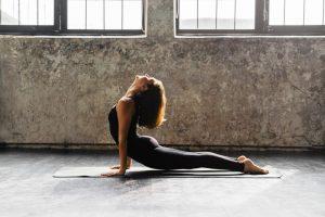 Actívate con esta rutina de Yoga
