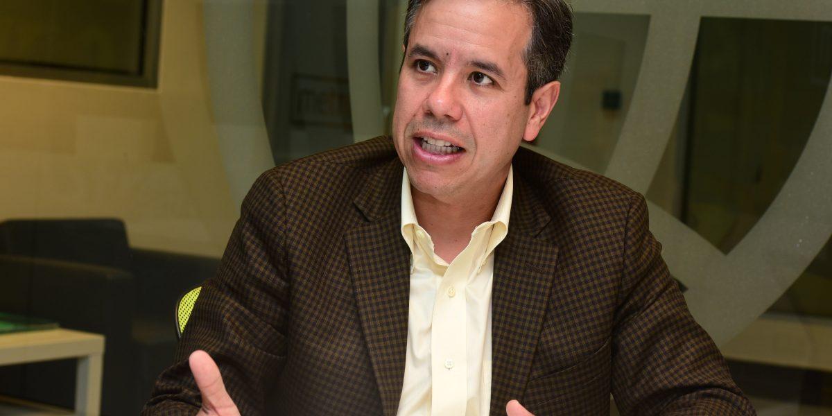 Senador pide acción a Carmen Yulín con la UPR