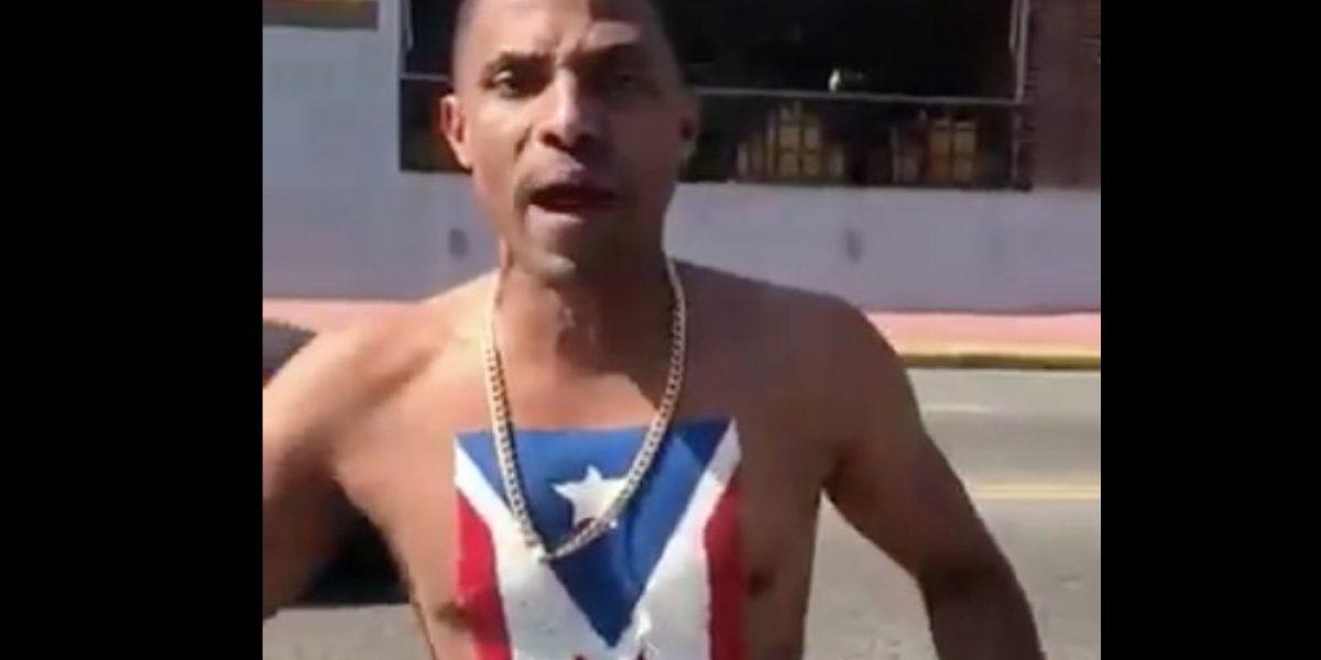 Actor R.D. se pasea con bandera boricua pintada en el pecho