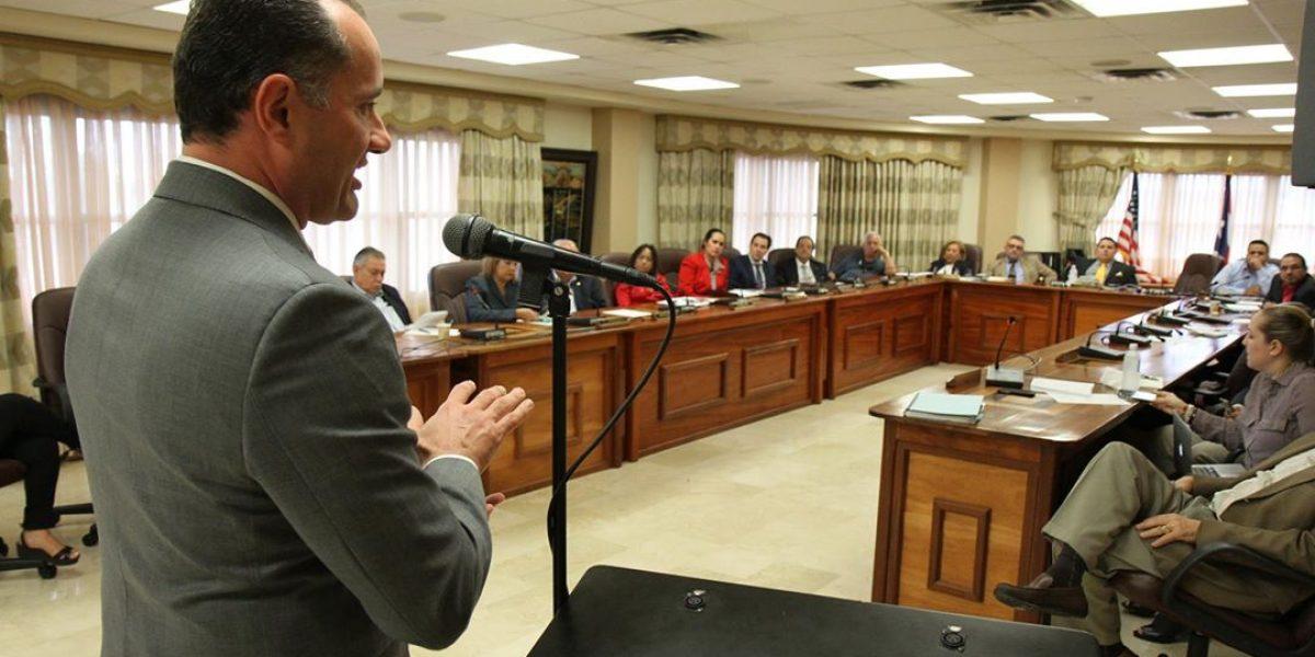 Comisión de Hacienda presenta medidas al Centro Unido de Detallistas