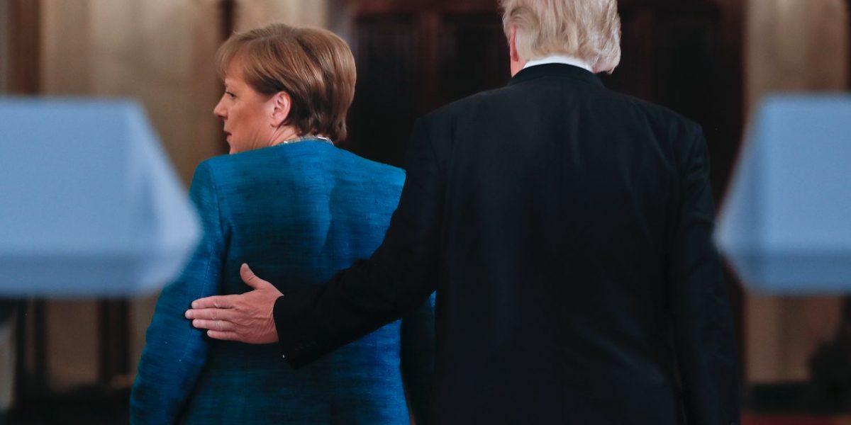 Trump dice que Obama espió sus teléfonos y los de Merkel