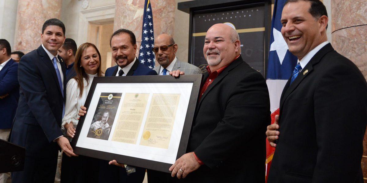 Cámara homenajea la trayectoria musical de Bobby Valentín
