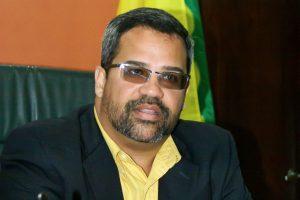 Alcalde de Vega Baja se une al #TeamRubio