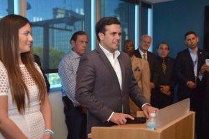 Rosselló se reúne con la diáspora en Miami