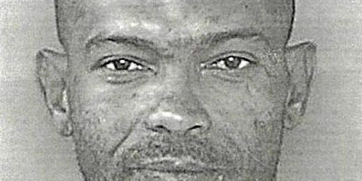 Arrestan hombre por robar seis botellas de shampoo en Manatí