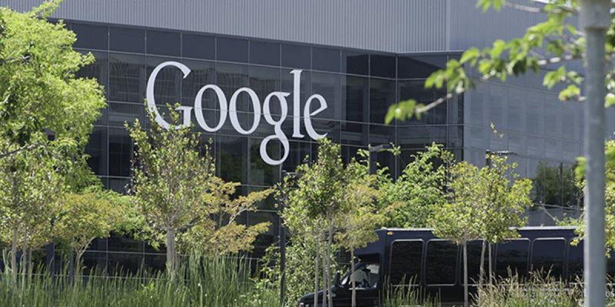 Gobernador visita las oficinas Google en California