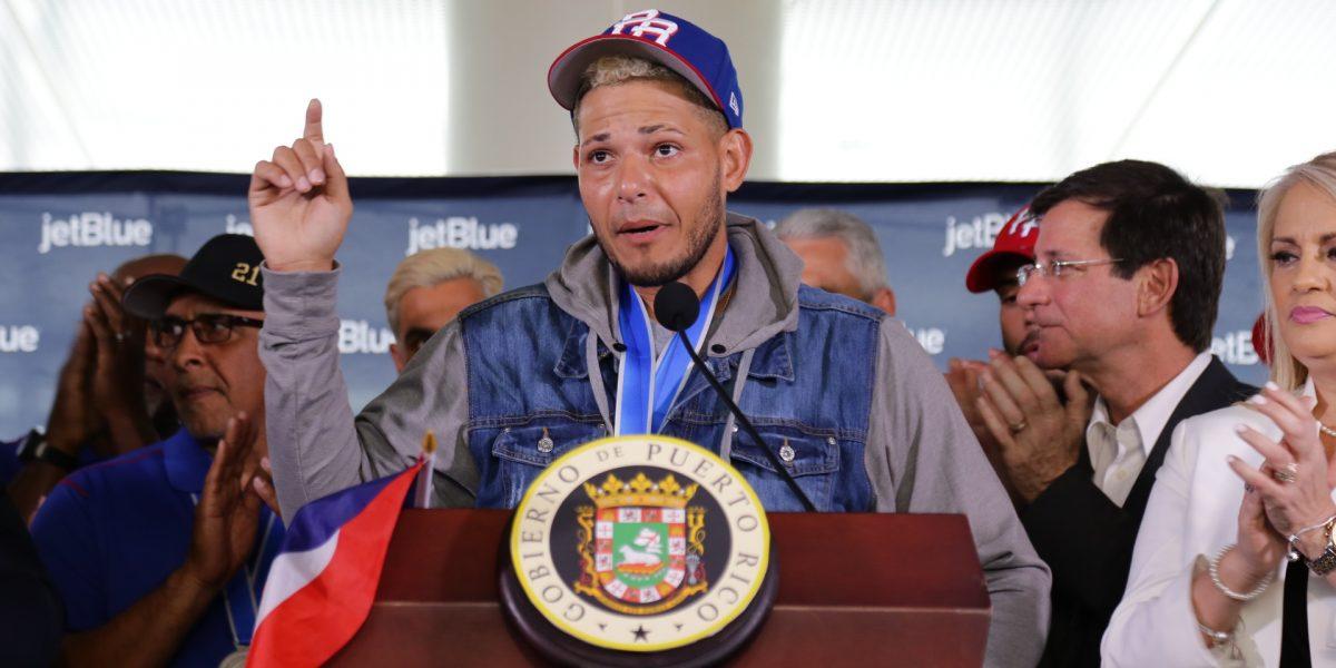 """Yadier Molina: Jones """"tiene que pedirle una disculpa al pueblo"""""""