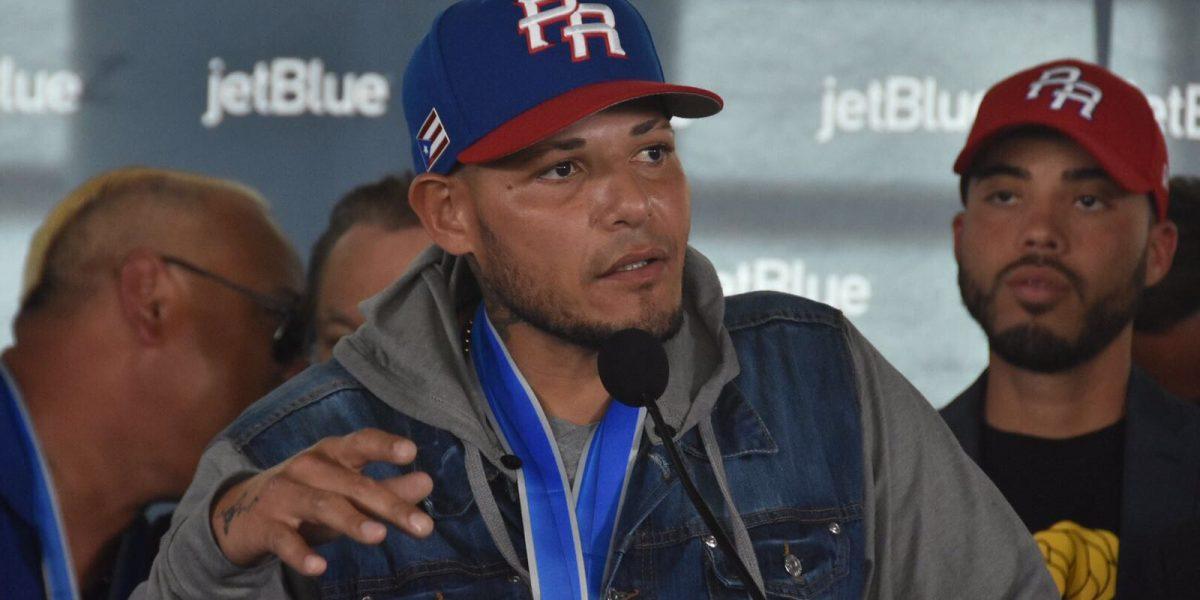 Yadier Molina brinda apoyo a reggaetonero arrestado