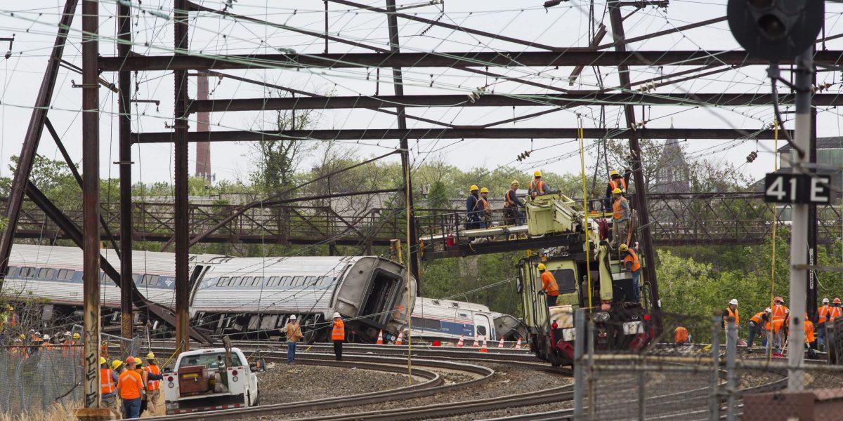 Tren se descarrila en Nueva York y deja tres heridos leves