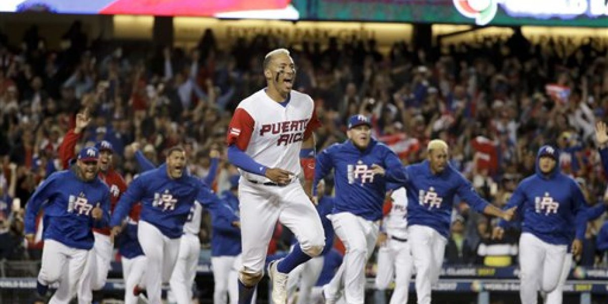 Astros conceden descanso a Carlos Correa por dolores