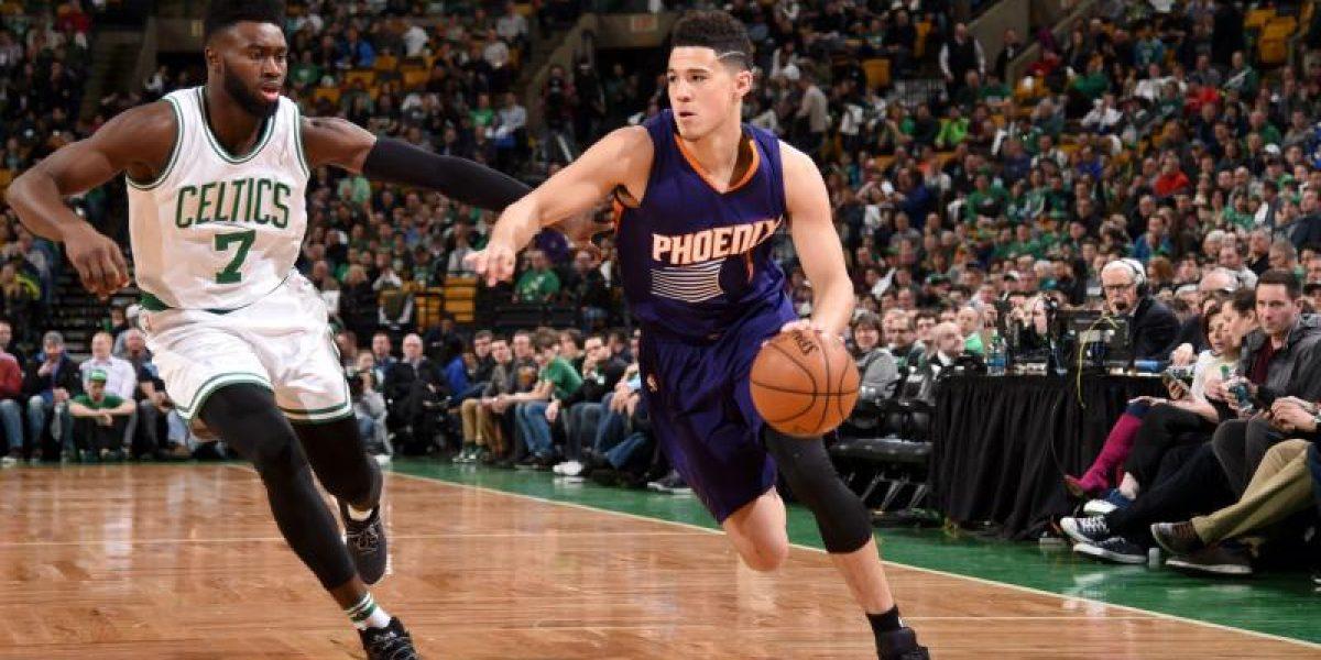 Booker encesta históricos 70 puntos en NBA