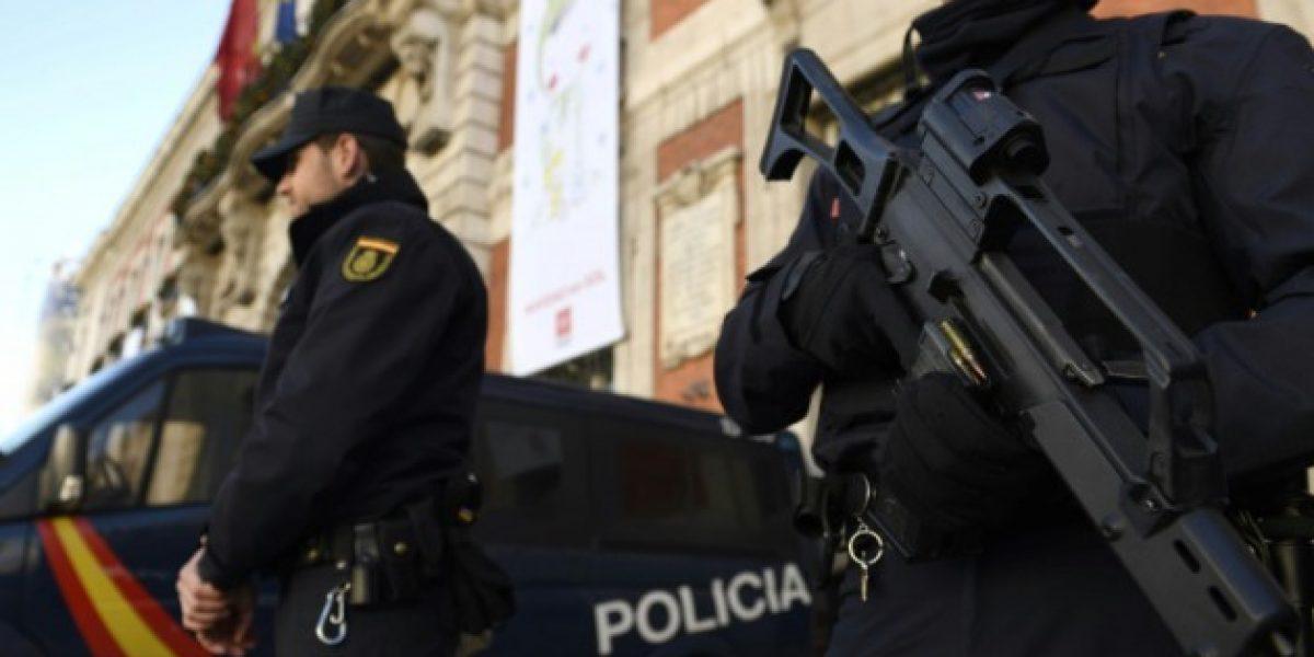Arrestan a dos españoles por traficar cocaína en guineos