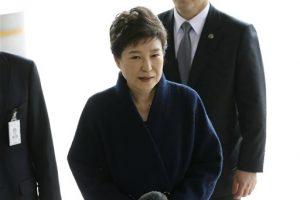 Fiscalía surcoreana pide orden para detener a expresidenta