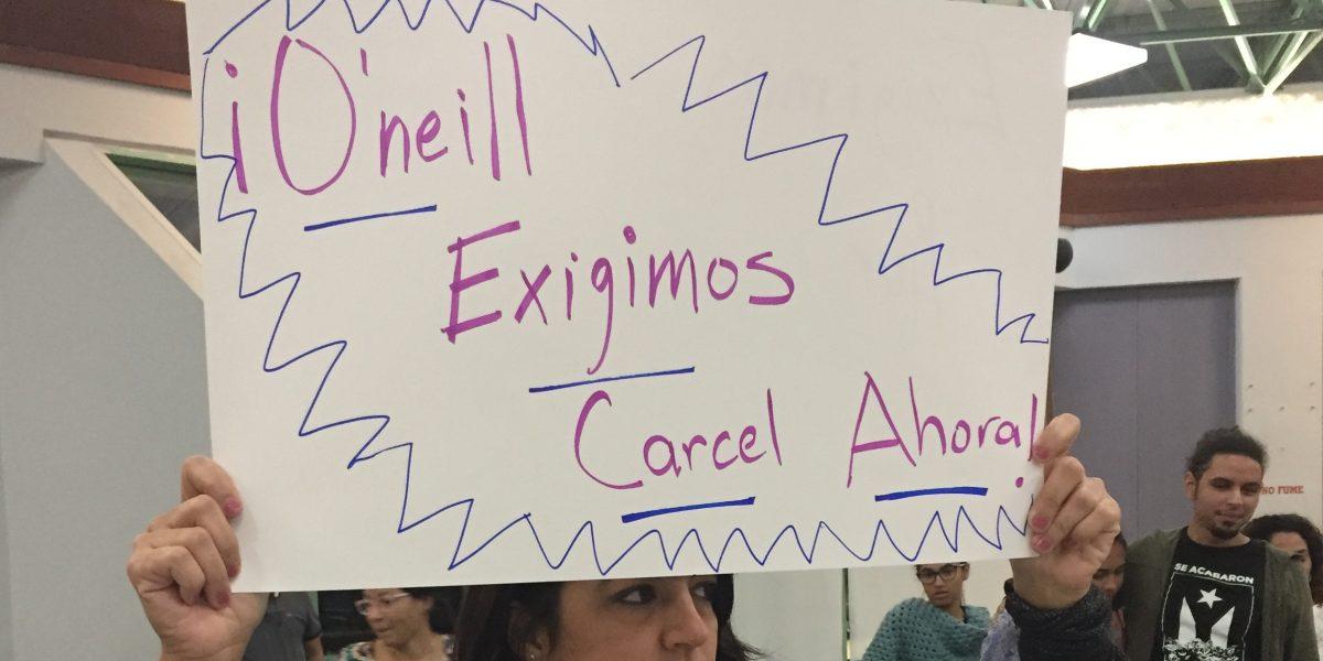 Mujeres no se quitan en reclamo de renuncia a O'Neill